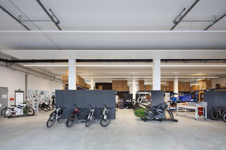 lagerhalle mit entwicklungswerkstatt und bürogebäude mittelbiberach